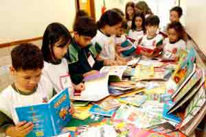 Literatura se Aprende na Escola