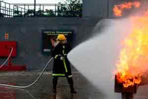 Projeto e Dimensionamento de Prevenção e Combate de Incêndio e Pânico