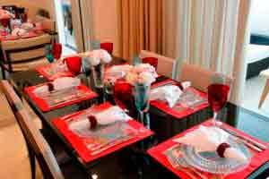 Decoração de mesa para almoço e jantar fino